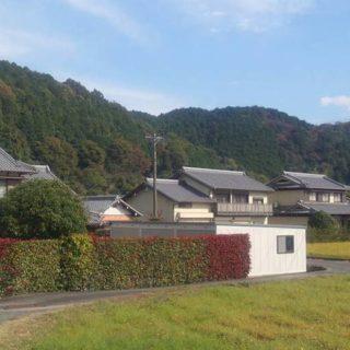 三重県津市内での一枚。山や田園がとても素敵です