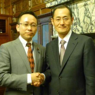 ノーベル医学生理学賞を受賞された山中伸弥教授と