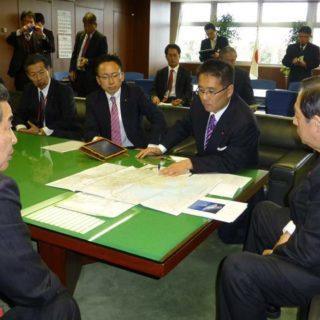 太田国土交通相と愛知県知多半島の道路整備について要望