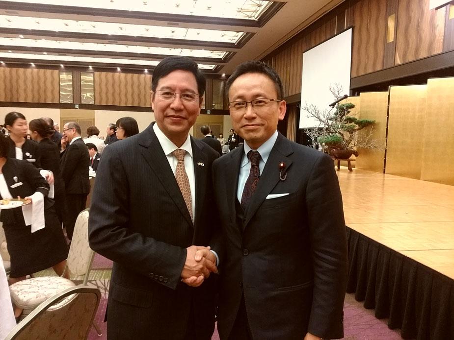 トゥレイノ・タン・ジン駐日ミャンマー大使との1枚