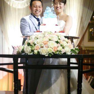 今日の結婚式、新郎・新婦そして友人の祝福の輪、とても素敵でした