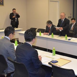 公明党の伊藤渉労働局長(衆院議員)らは6日、全国建設労働組合総連合(全建総連)から要望を受けた。