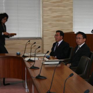 裁判官訴追委員会に出席