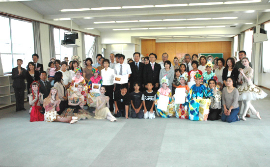 松山バレエ団の学校公演を視察