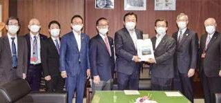 (赤羽国交相に要望)中部国際空港の2本目滑走路/愛知県知事